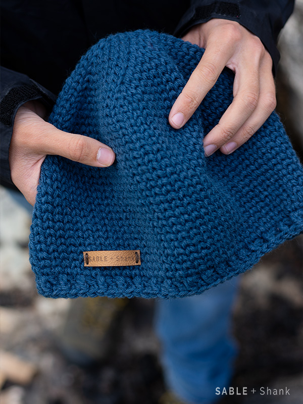 Crochet a warm hat that looks knit from this free pattern!