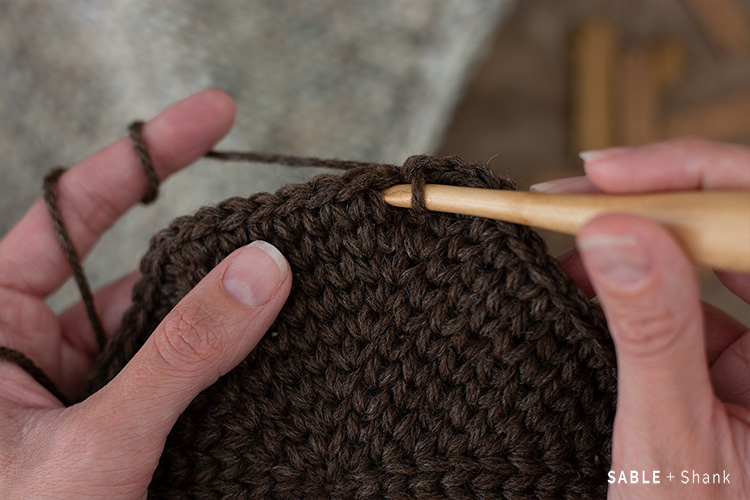 How to make a stitch that looks knit with your crochet hook!
